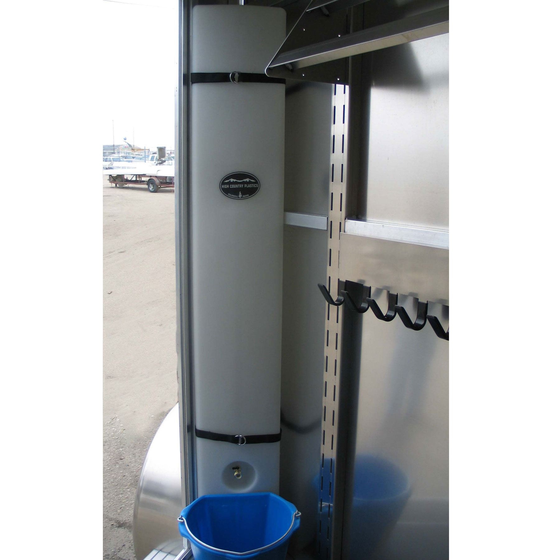 39 Gallon Slant Load Water Caddy